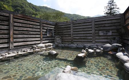 天空露天風呂 石の湯
